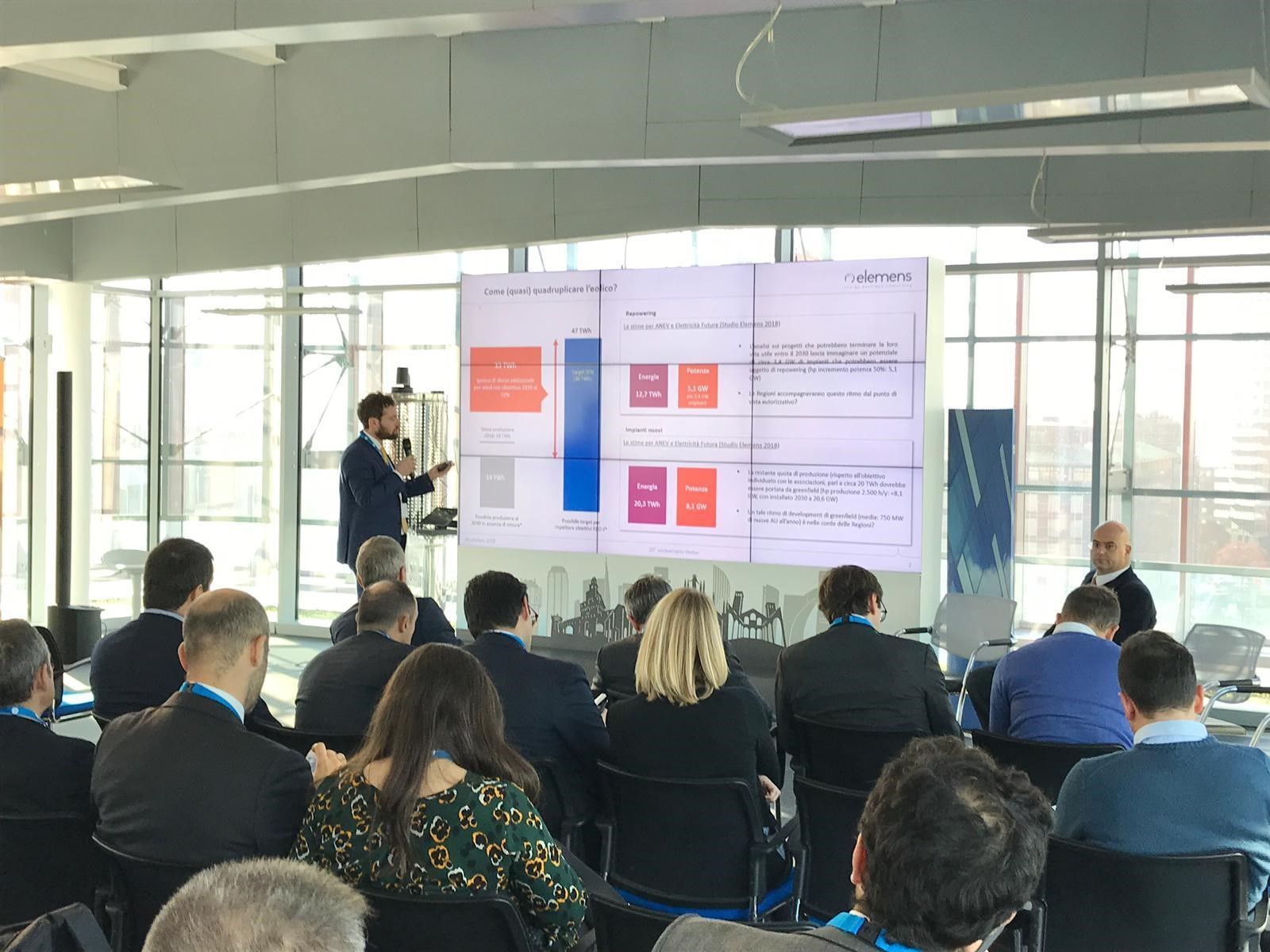 Elemens speaker al customer event di GE Renewables